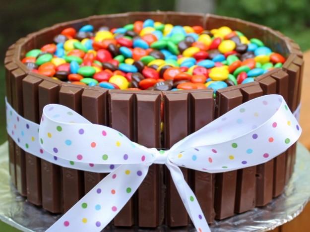 Torta Con Smarties E Kit Kat Patatefritte
